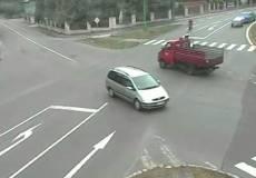 Cyklista se střetl s dodávkou