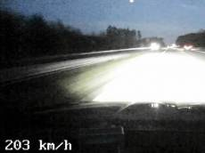 Řidič s dvěma a půl promile se řítil po D3 dvoustovkou