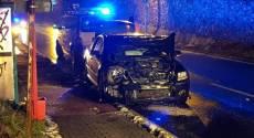 Skoro dvě promile nadýchal řidič, který boural s malými dětmi v autě