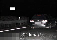 Video: Polák na dálnici předjel policisty rychlostí 201 km/hod