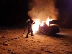 VIDEO: Auto skončilo po driftování v plamenech
