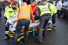 VIDEO: Při srážce tří motorkářů zemřela žena, policie pátrá po svědkovi