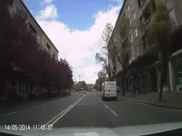 Autobus srazil v Hradci Králové postarší chodkyni